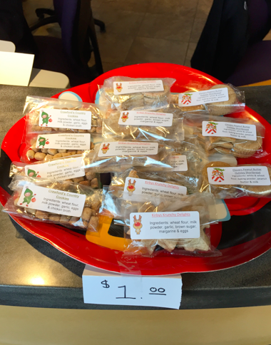 Homemade dog and cat cookies $1.00 per pack